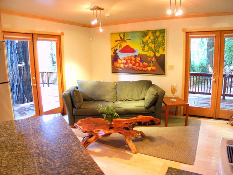 Lighting living room interior back 2 home - Apartment living room lighting ideas ...