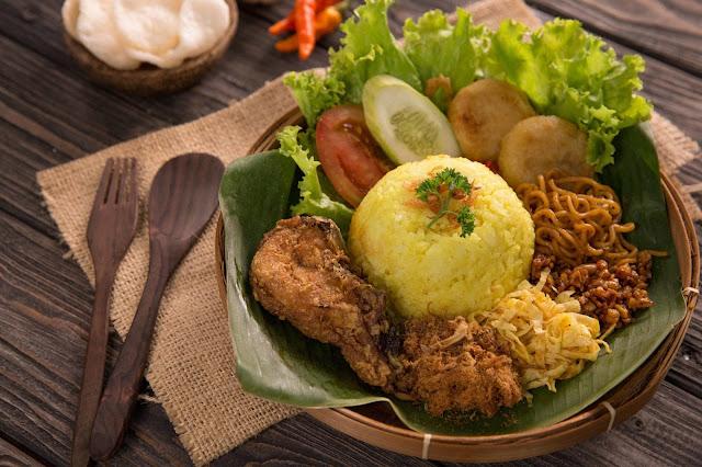 Nasi-Kuning-Amboy-Ambon