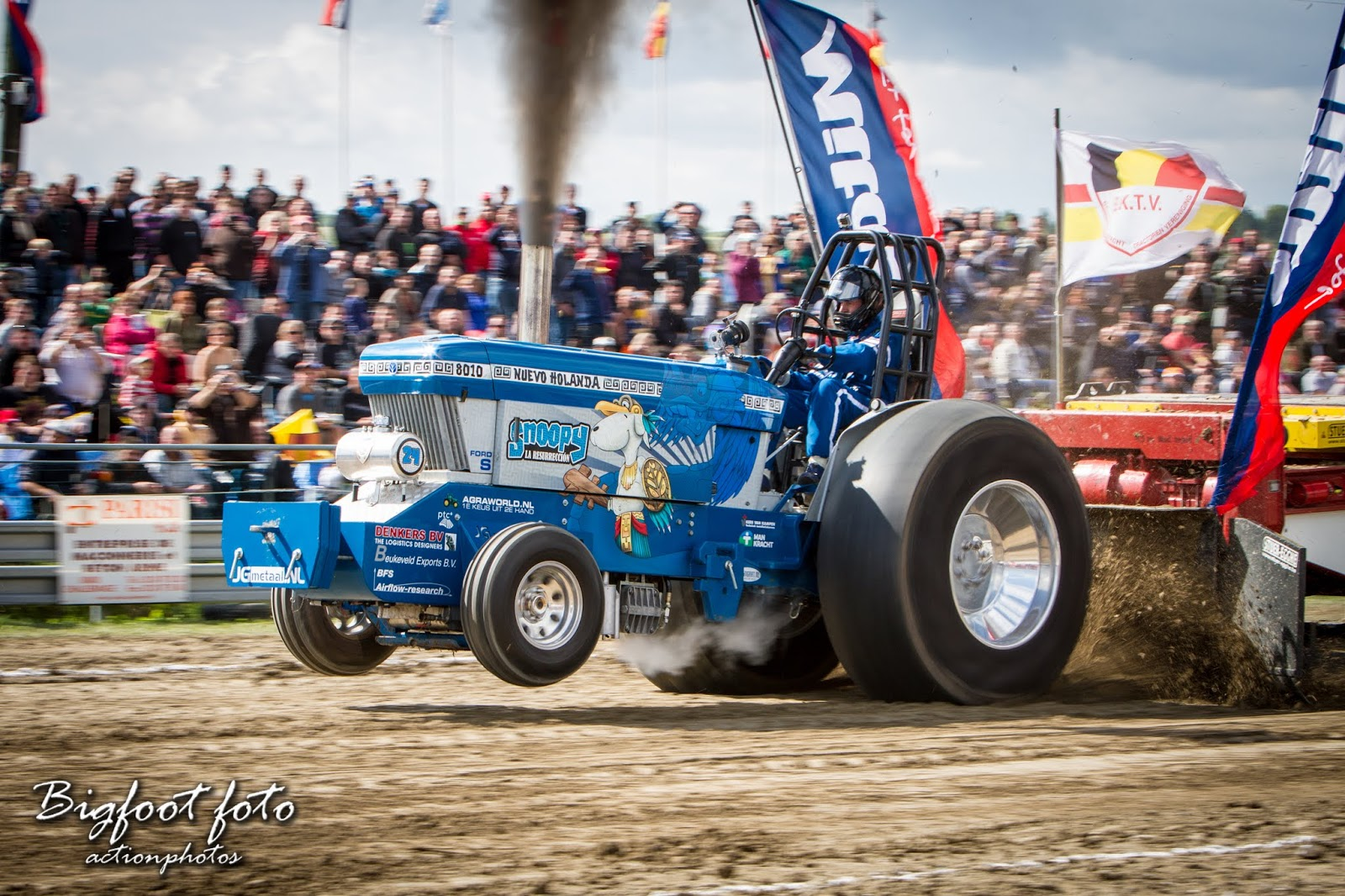 Tractor Pulling News - Pullingworld com: Snoopy Team is