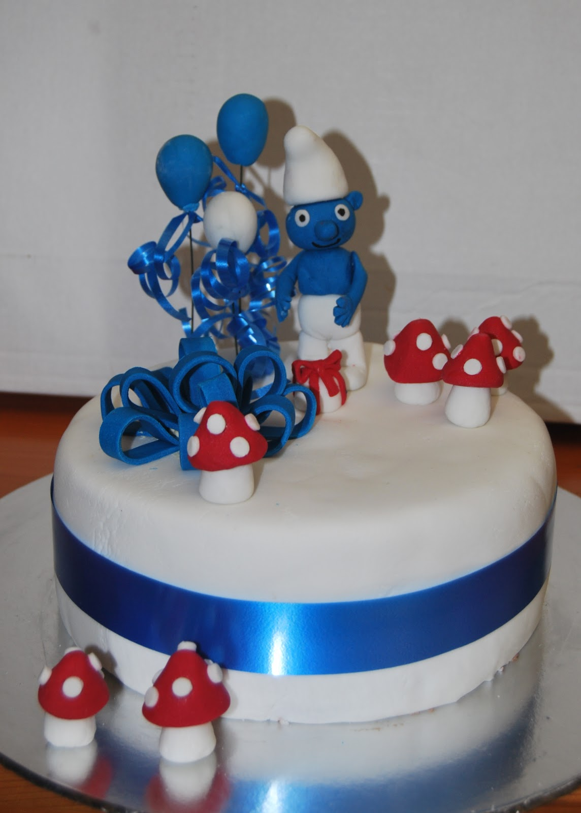 Dg Creations Cakes And Biscuits Smurf Cake