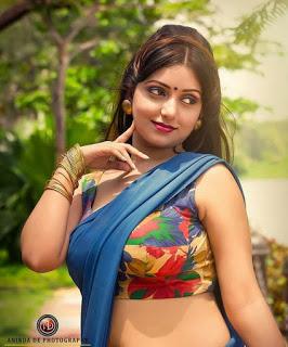Hottest Internet Sensation Rupsa Saha: Stunning Saree Image Collection! Navel Queens