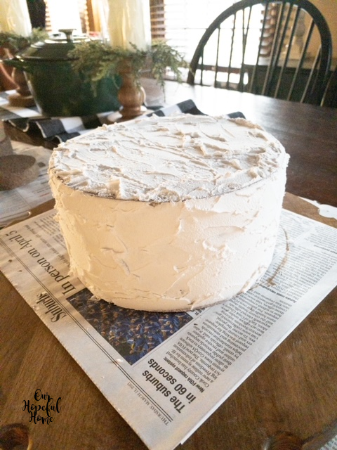 white spackle painted naked cake kitchen table
