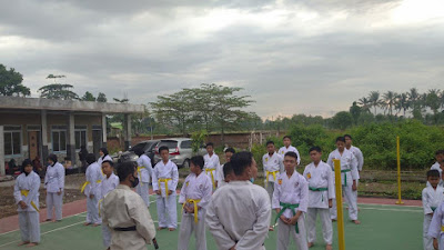 Kediri Karate Prestasi Gelar Latihan Gabungan