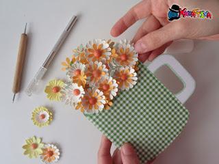 card mug con fiori fai da te di carta per festa della mamma