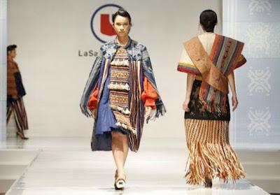 Keindahan Tenun Flores Karya Lulusan LaSalle Collage Jakarta