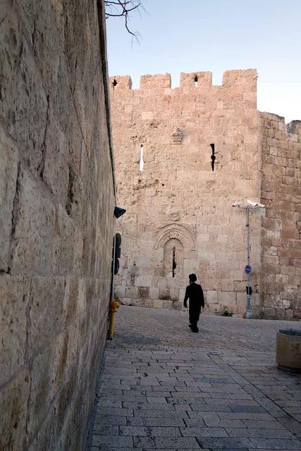 Vue des remparts de Jérusalem non loin de la Porte de Sion