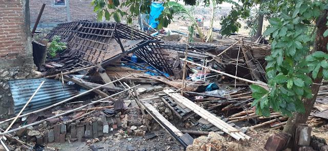 Delapan Rumah Rusak Akibat Hantaman Angin Lesus di Sukolilo Pati