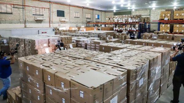 Dimiten funcionarios paraguayos por compras irregulares