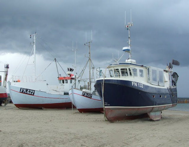 Herbst in Dänemark: Ein Besuch im Fischerort Lökken. Lökken ist ein wunderschöner Ort an der dänischen Nordseeküste. Kommt mit, ich zeige Euch auf Küstenkidsunterwegs, was man in Lökken und überhaupt in Dänemark im Herbst gut unternehmen kann!