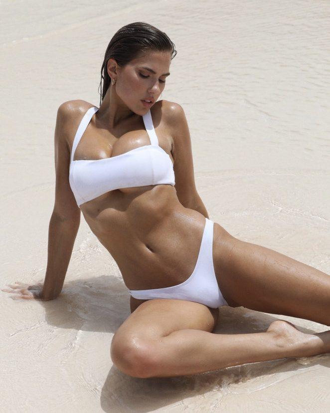 kara del toro sexy bikini pics 02