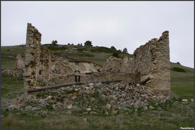 Villanueva De Las Tres Fuentes. Ruinas (5)