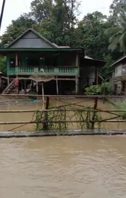 Ini Dia Foto-foto Banjir Terjang Cina dan Sibulue Beberapa Wilayah di Bone Setelah Hujan Deras