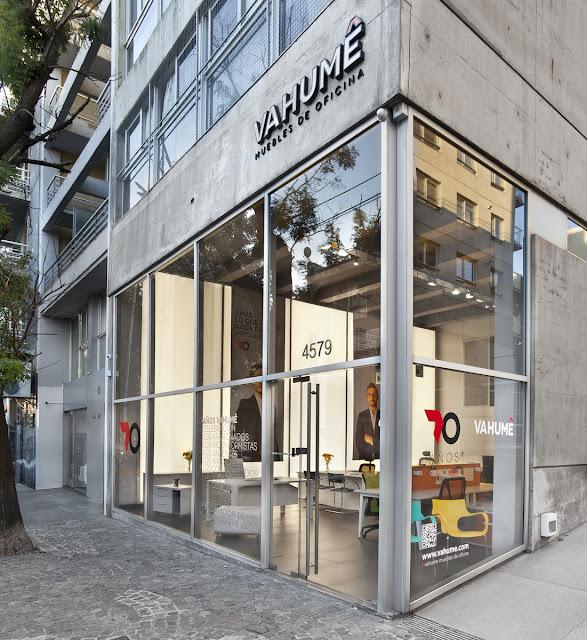 Empresas nuevo showroom porte o e inversiones en la for Fabricas de muebles de oficina en argentina
