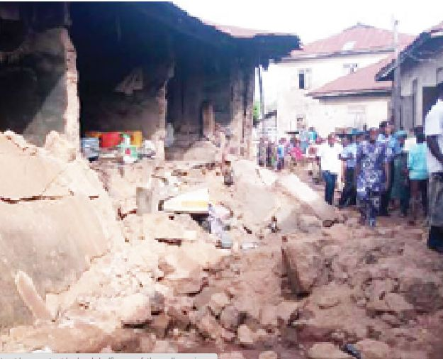 The collapse of a mud building in oke ijeun area of abeokua ogun state