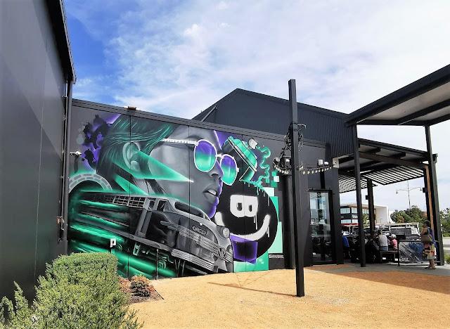 Street Art in Wodonga at Burger Urge painted by Kade Sarte