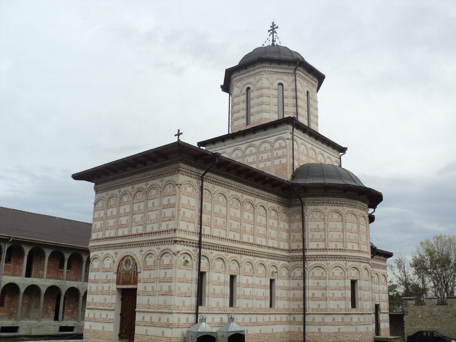 Imagini pentru siluan athonitul manastirea