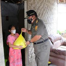 Gubernur Arinal Berikan Bantuan secara Door to Door di Jatimulyo, Lampung Selatan