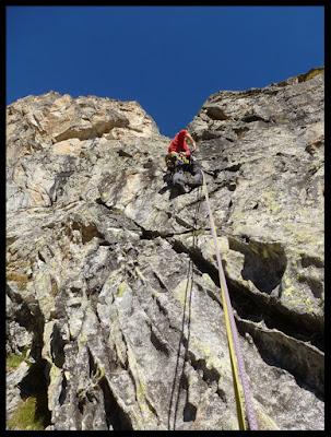 Escalando la vía Excelsa al Pic d'Artouste, Larribet