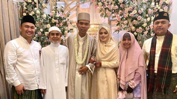 Begini Awal Mula Pertemuan UAS dengan Fatimah Az Zahra hingga Akhirnya Menikah Hari Ini