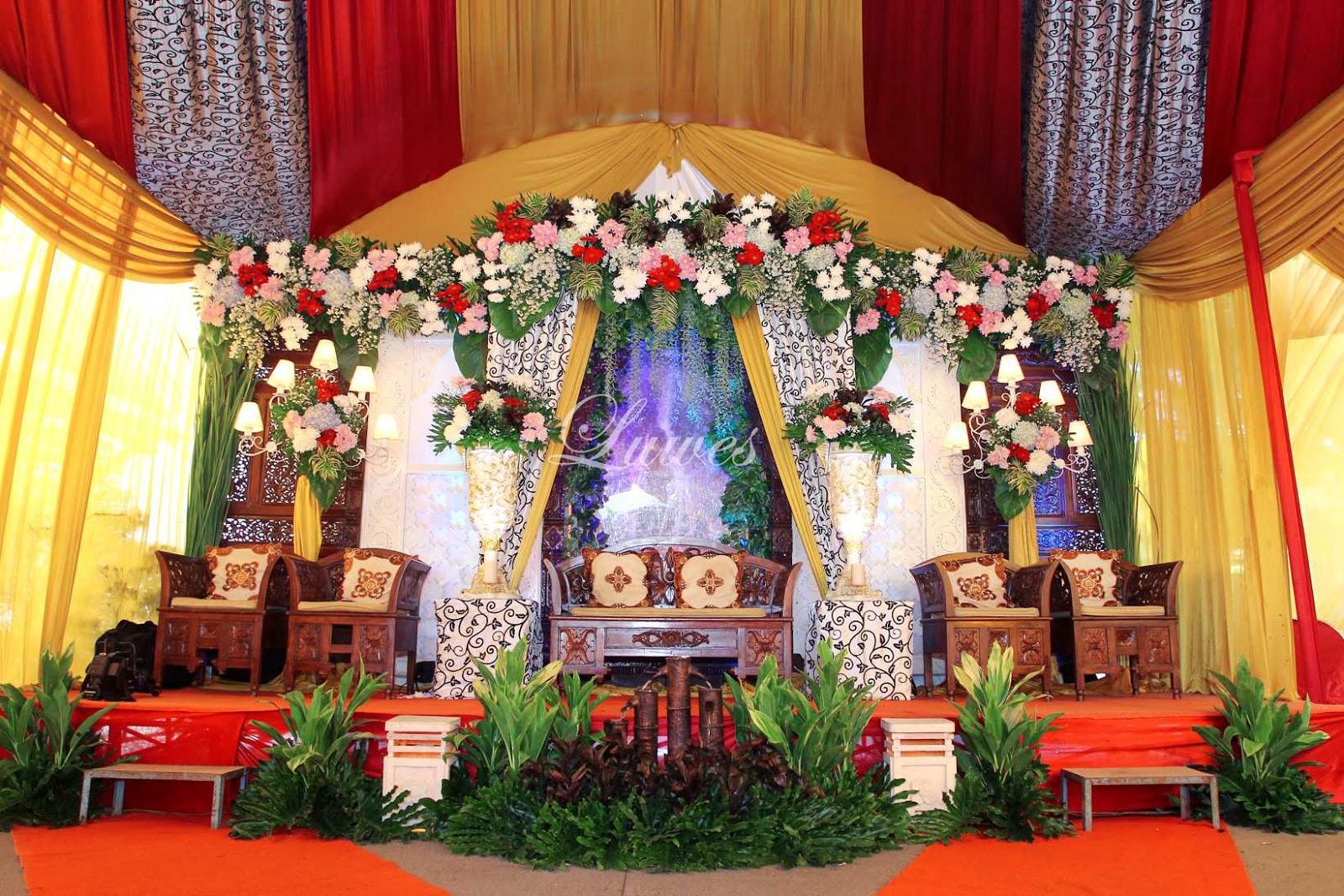 Paket catering pernikahan lengkap dengan dekorasi pelaminan modern