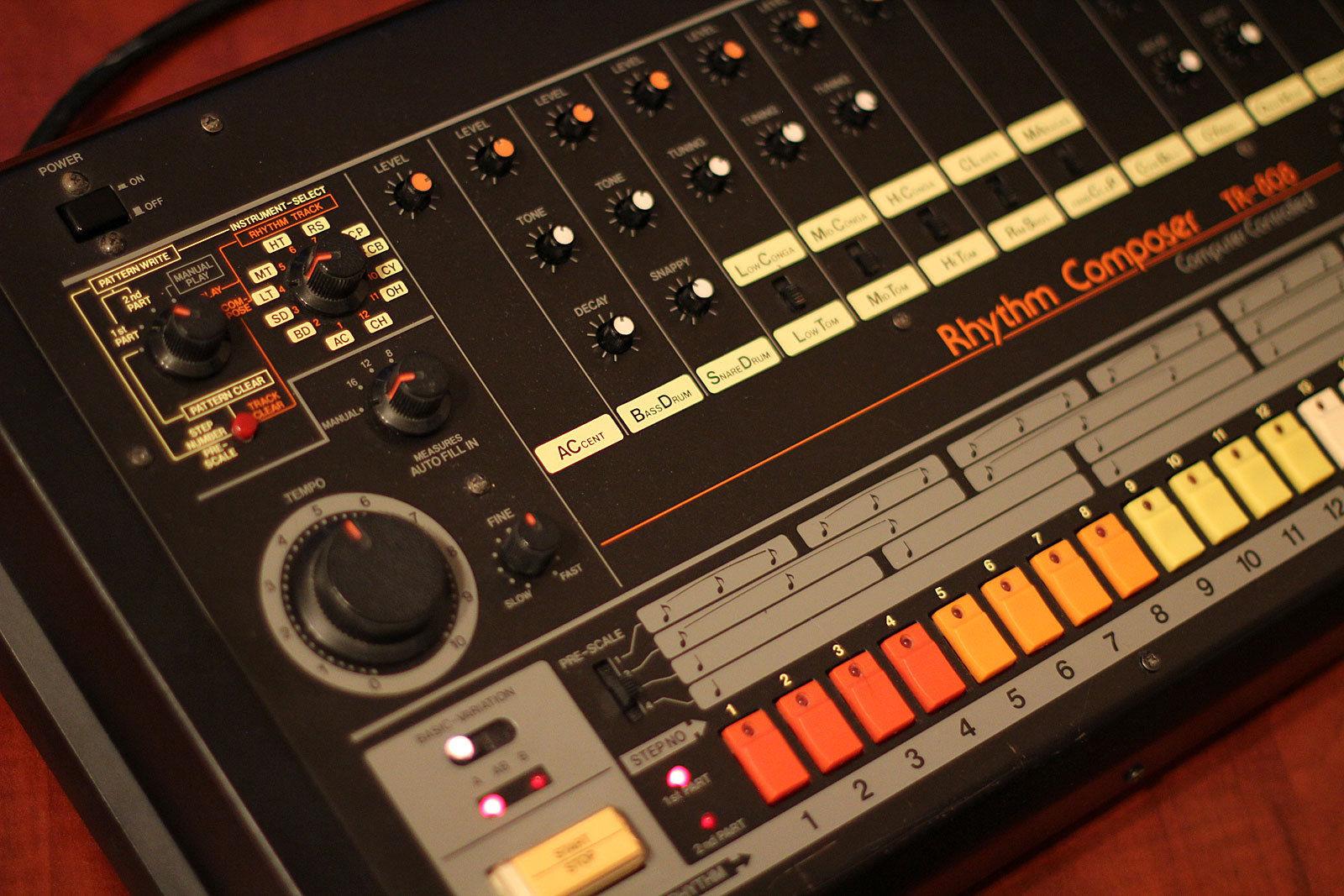 matrixsynth roland tr 808 vintage analog drum machine with midi. Black Bedroom Furniture Sets. Home Design Ideas