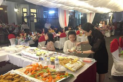 Tổ chức tiệc buffet ngay tại nhà