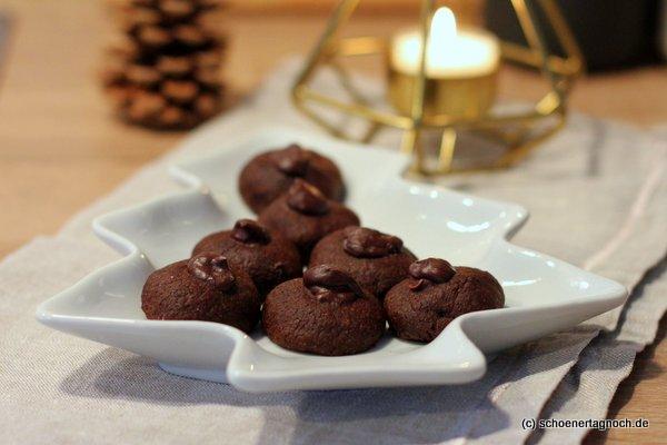 Schokoladen-Husarenkrapfen mit Espressoganache
