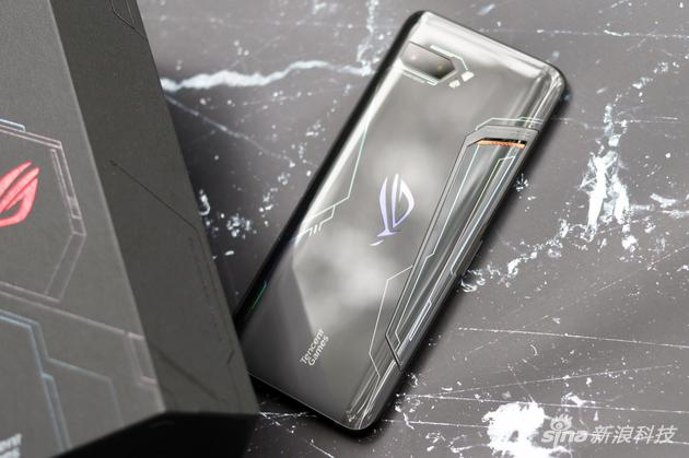 ROG Gaming Phone 2 Released: Debut Snapdragon 855Plus Tencent Participates in Optimization ROG Gaming Phone 2