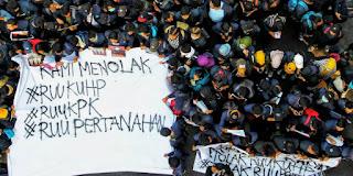 Mengapa Demo Mahasiswa Membara? Ini Pasal-pasal Kontroversial RKUHP, Hotman Paris: Teraneh Sedunia