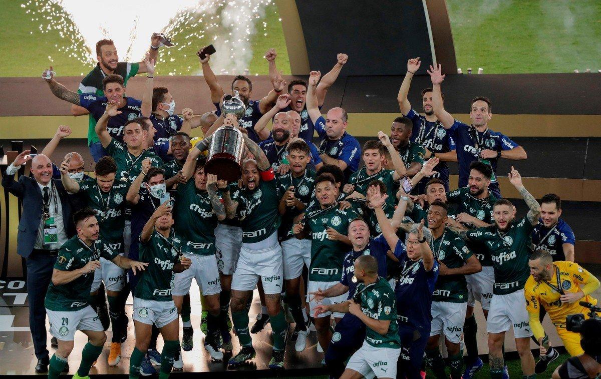 Palmeiras le gana sobre la hora a Santos y se consagra campeón de la Copa Libertadores