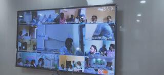 जिला पदाधिकारी ने कालाबाजारी और होर्डिंग रोकने के लिए सभी प्रखंड के Bdo से वीडियो कॉन्फ्रेस के जरिए निर्देश दिए।