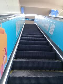 tangga di stasiun mrt jakarta