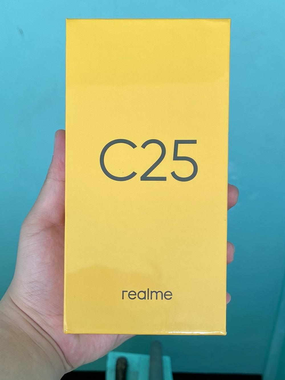 realme C25 Retail Packaging