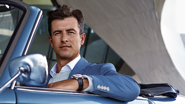 Photo of Golfer Adam Scott in ad for Rolex Sky-Dweller (photo: Rolex)