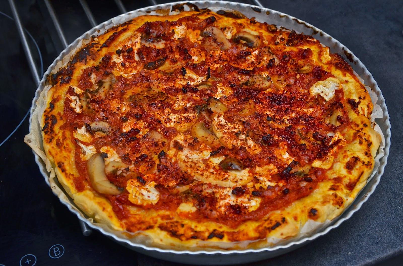 id e recette pizza au chou fleur champignons et lardons. Black Bedroom Furniture Sets. Home Design Ideas
