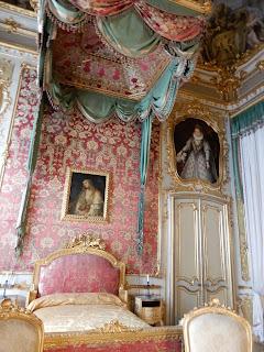 ジェノヴァのMuseo di Palazzo Realeの天蓋付きベッド