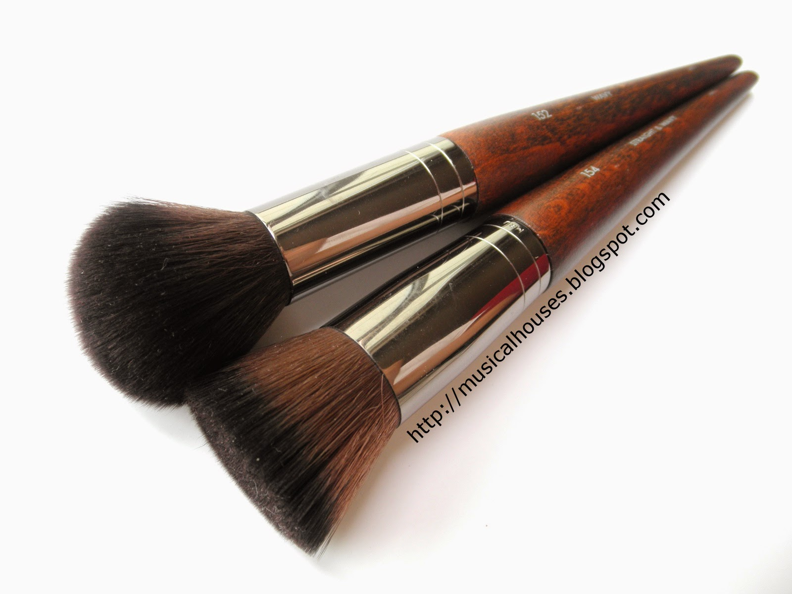 how to use a buffer brush for foundation