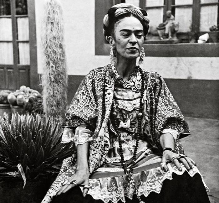 Mexican artist Frida Kahlo Rare Photos