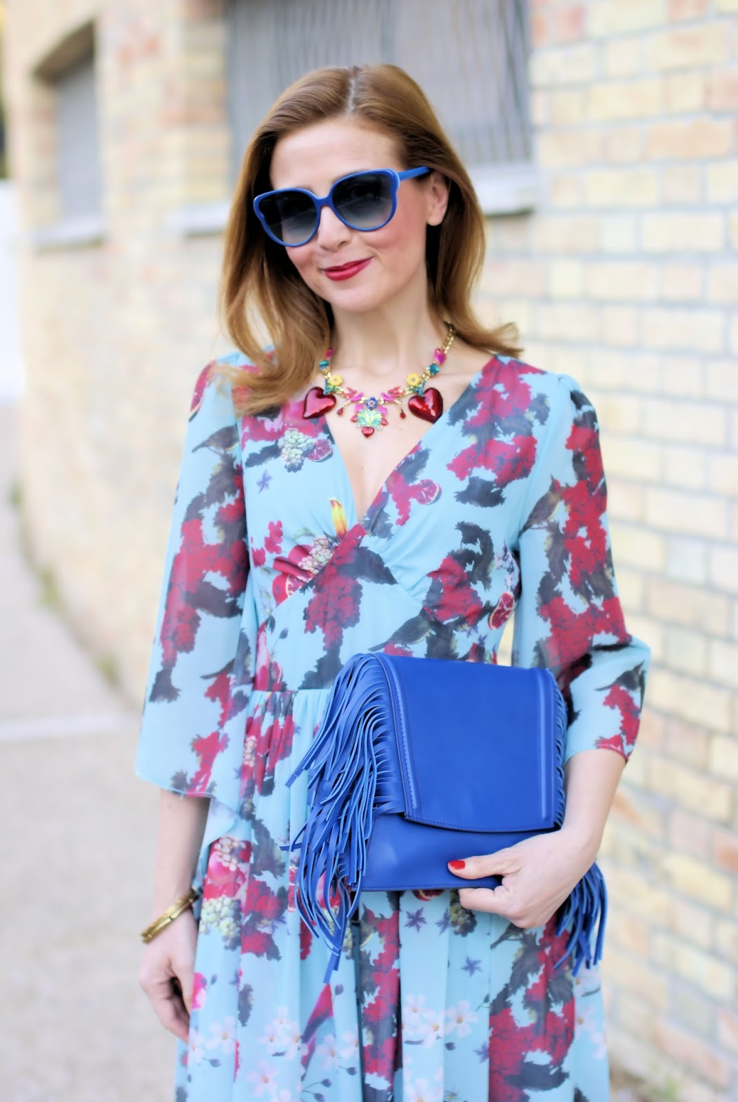 Metisu dress and Iaya Asciani clutch on Fashion and Cookies fashion blog, fashion blogger style
