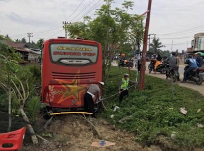Sopir bus sempati star meninggal dunia saat mengemudi