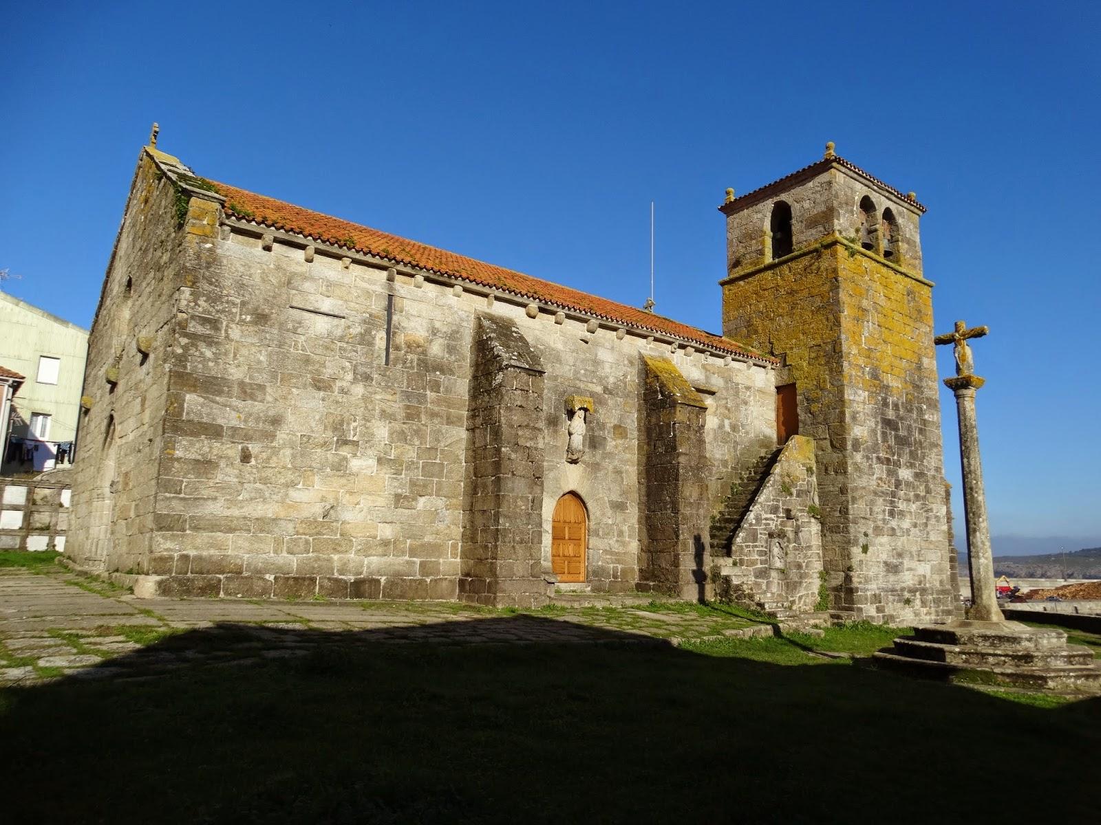 Iglesia de Santa María de Atalaia en Laxe