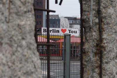 Muro de Berlín en Niederkichnerstrasse