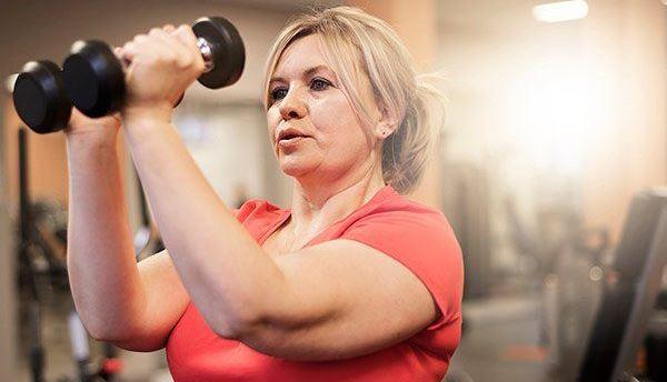 4 خرافات حول زيادة الوزن أثناء انقطاع الطمث