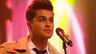 Singer Asim Azhar won the hearts of the people by reciting the famous Naat