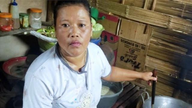 Tak Takut Corona, Ibu Penjual Rujak: Saya Lebih Takut Anak Kelaparan!
