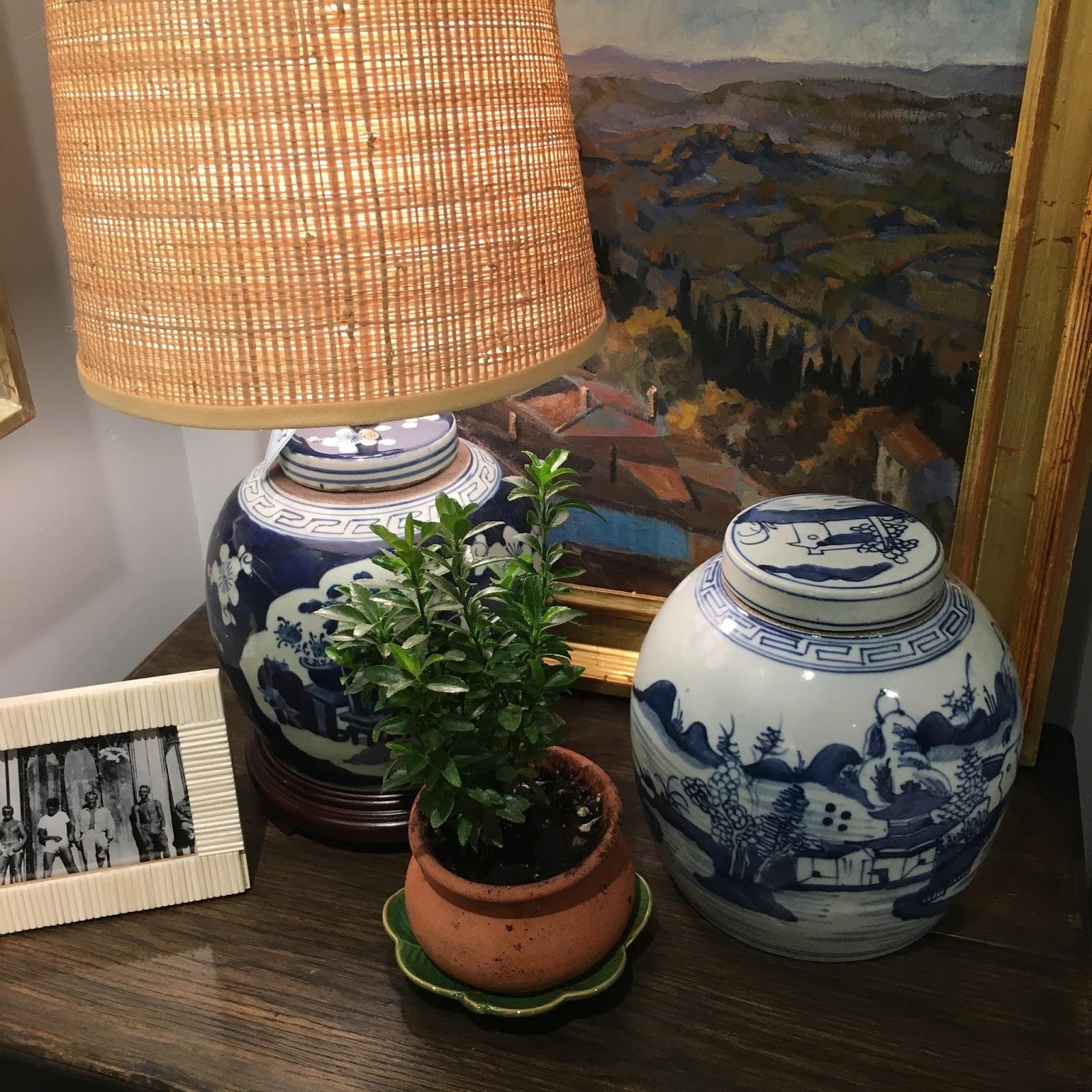 vignette design inspired by blue and white porcelain. Black Bedroom Furniture Sets. Home Design Ideas