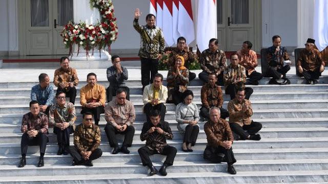 18 Menteri Kena Reshuffle Jokowi, Istana Buka Suara