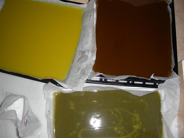 diy χειροποίητο σαπούνι ελαιόλαδου  σε διάφορα σχέδια