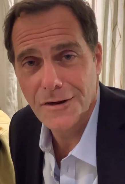 Andy Buckley age, david wallace, movies and tv shows, the office, actor, merrill lynch, height, weight, family, net worth, how old, wiki, bio