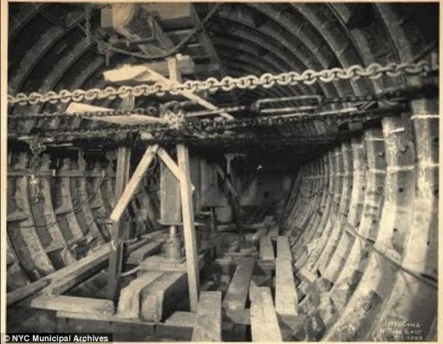 under construction the new york city subway plastruct. Black Bedroom Furniture Sets. Home Design Ideas